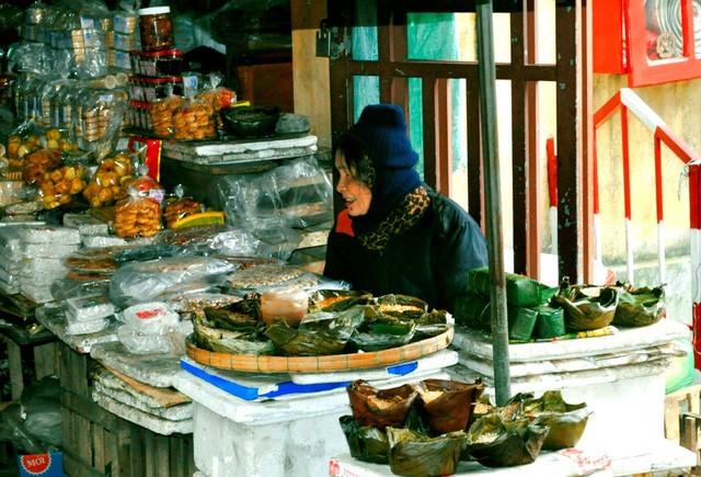 Discovering Hoi An food paradise market - ảnh 12