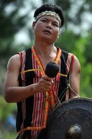 The Gie Trieng live in the Vietnam-Laos border area  - ảnh 2