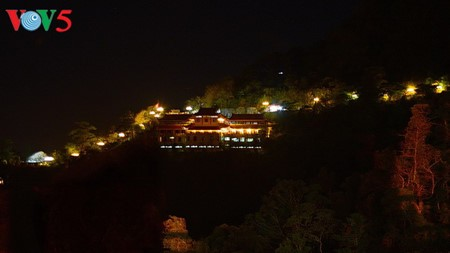 Yen Tu Mountain, a sacred and peaceful Buddhist sanctuary - ảnh 1