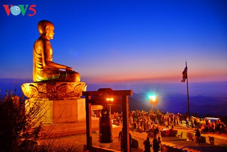 Yen Tu Mountain, a sacred and peaceful Buddhist sanctuary - ảnh 11