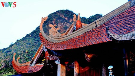 Yen Tu Mountain, a sacred and peaceful Buddhist sanctuary - ảnh 14