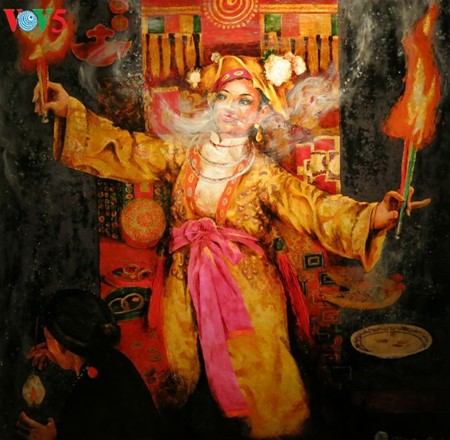 """Going into a trance"" ritual depicted in Tran Tuan Long's lacquer paintings  - ảnh 11"