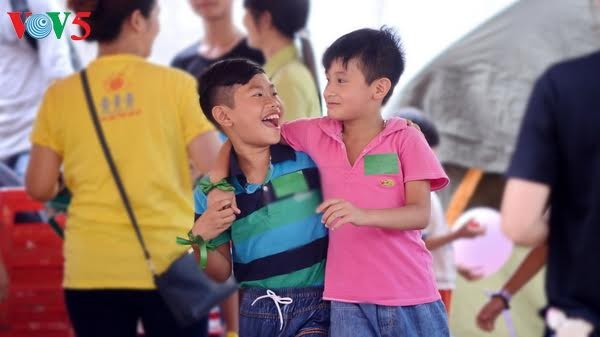 Vietnamese people celebrate International Happiness Day - ảnh 1
