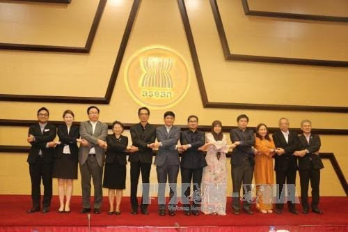 Vietnam promotes Initiatives for ASEAN's integration - ảnh 1