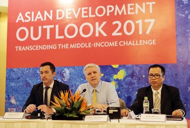 Vietnam's economy to grow at 6.5 percent in 2017: ADB - ảnh 1