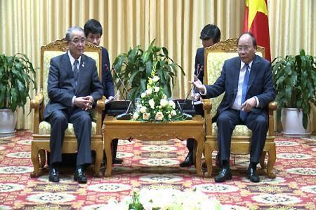 Prime Minister Nguyen Xuan Phuc receives Nagasaki governor - ảnh 1