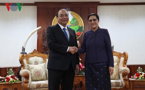 Lao leaders hail Prime Minister Nguyen Xuan Phuc's visit - ảnh 2