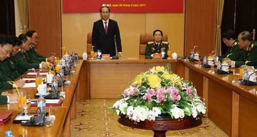 President Tran Dai Quang works with Defense Ministry leaders - ảnh 1