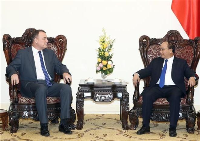Prime Minister hosts outgoing Slovak ambassador - ảnh 1