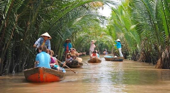Vietnam, ASEAN cooperate in tourism development - ảnh 1