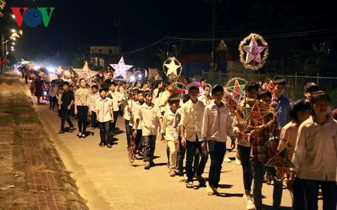 Mid-Autumn Festival for children in remote areas - ảnh 2