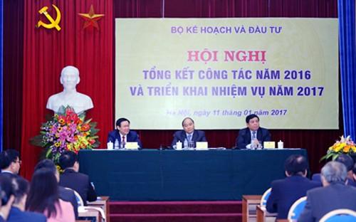 Vietnam reestructura trabajo de planificación para el avance económico - ảnh 1