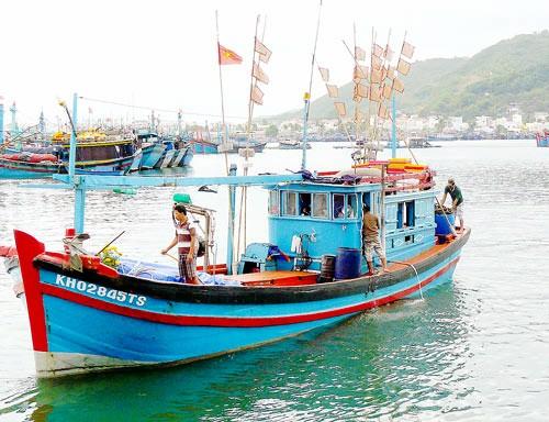 Pesqueros vietnamitas reanudan trabajos en caladero tradicional de Truong Sa tras días festivos - ảnh 1
