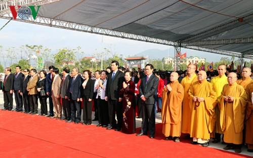 Localidades norteña y central de Vietnam inician festivales primaverales - ảnh 1