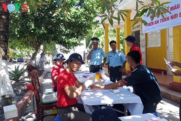 Bancos de sangre en distrito insular de Truong Sa - ảnh 2