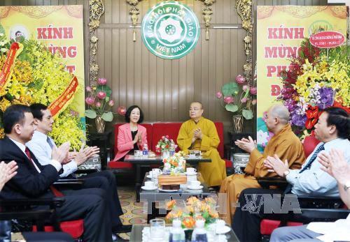 Localidades vietnamitas conmemoran el Día del Vesak 2017  - ảnh 1