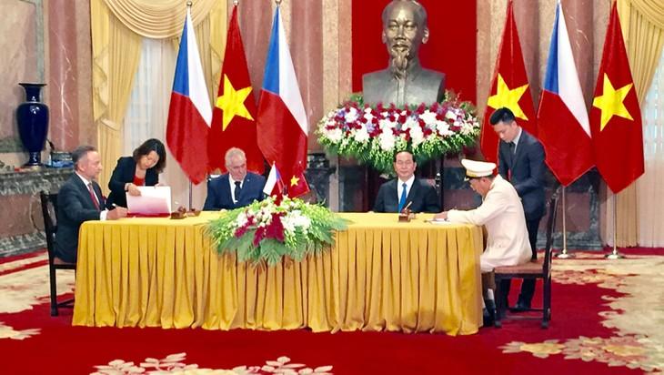 Relaciones Vietnam-República Checa siguen avanzando a nivel superior - ảnh 1