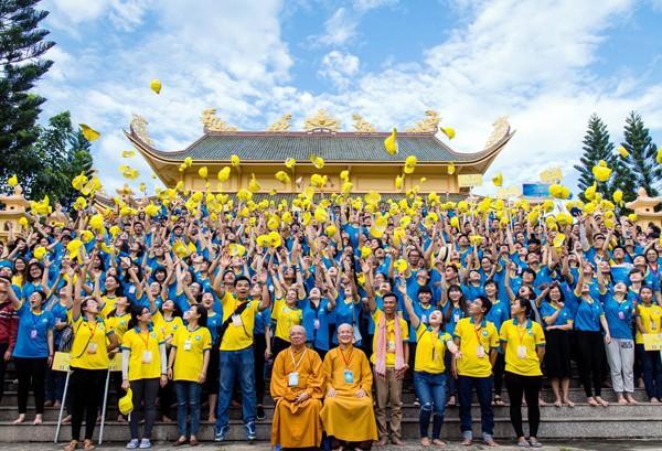 Campamento de Jóvenes Budistas transmite el amor de la tierra oriental de Vietnam  - ảnh 1