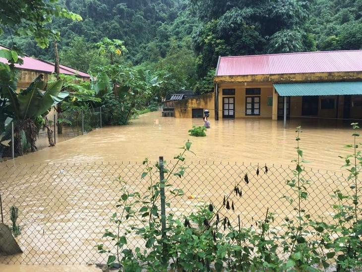Oficina del Presidente de Vietnam apoya a compatriotas afectados por inundaciones en la zona norteña - ảnh 1