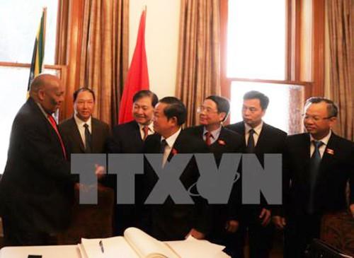 Vietnam y Sudáfrica afianzan relaciones de cooperación parlamentaria - ảnh 1