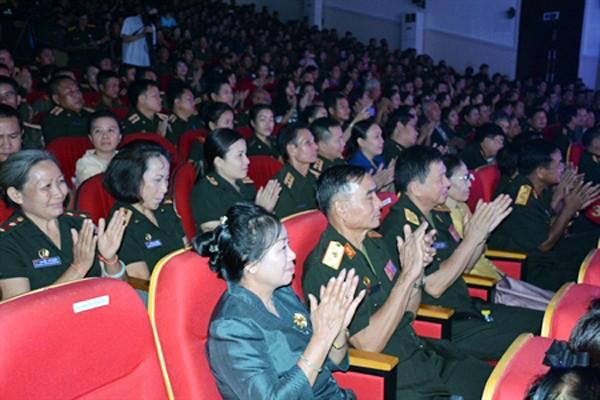Vietnam continúa con vibrantes actividades conmemorativas del Día Nacional - ảnh 1