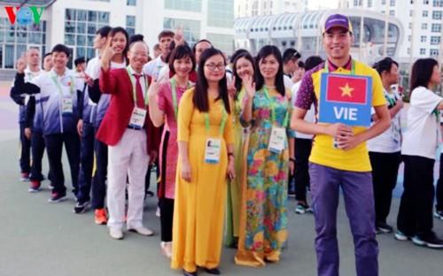 Ondea la bandera vietnamita en los Juegos Asiáticos Bajo Techo y de Artes Marciales 2017 - ảnh 1