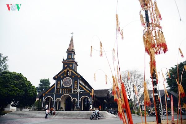 Vietnam promueve aún más la solidaridad religiosa a favor de desarrollo nacional - ảnh 2
