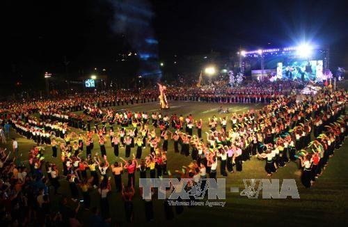 Inaugurada la Semana de Cultura y Turismo de Muong Lo 2017 - ảnh 1