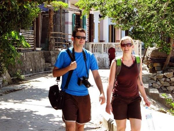 El sector turístico de Vietnam busca llegar a las 12 millones de visitas internacionales en 2017 - ảnh 1