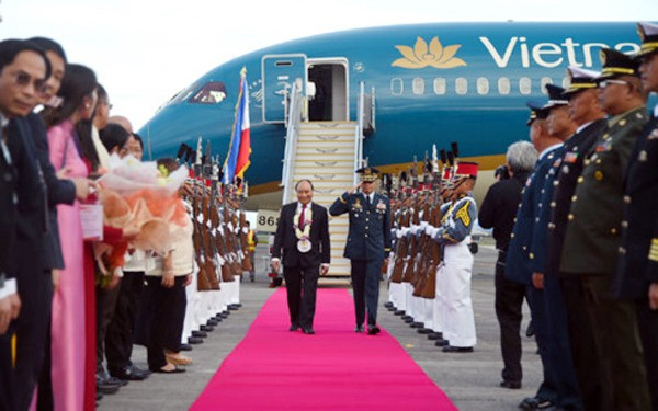 El primer ministro de Vietnam inicia su visita de trabajo en Filipinas - ảnh 1