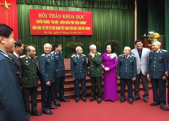 Vietnam analiza las lecciones de la victoria frente a las fuerzas aéreas norteamericanas - ảnh 1