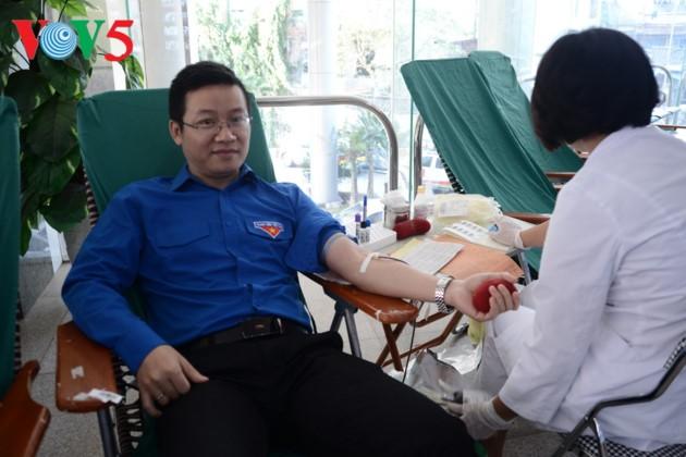 Buenos corazones salvan la vida de pacientes necesitados de sangre - ảnh 1