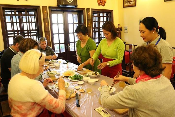 Học nấu ăn cùng nghệ nhân Ánh Tuyết - ảnh 1