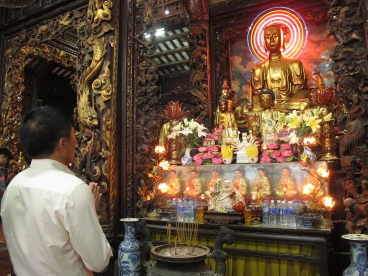 Đoàn thanh thiếu niên kiều bào thăm chùa Vĩnh Tràng, Tiền Giang - ảnh 5