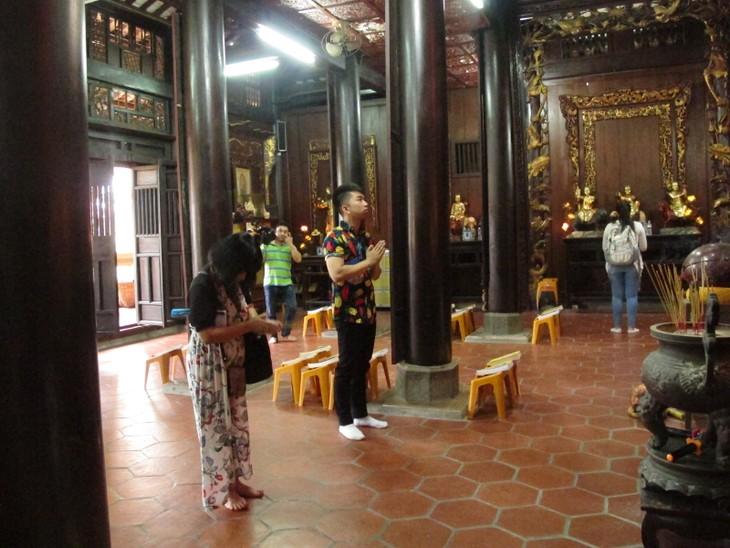 Đoàn thanh thiếu niên kiều bào thăm chùa Vĩnh Tràng, Tiền Giang - ảnh 4