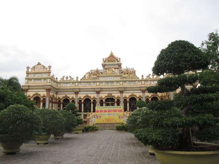 Đoàn thanh thiếu niên kiều bào thăm chùa Vĩnh Tràng, Tiền Giang - ảnh 9