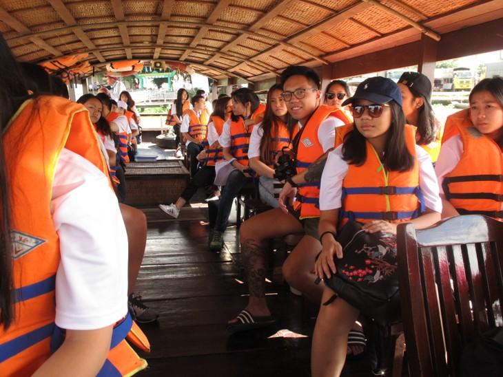 Thêm gắn bó với quê hương từ chuyến trại hè Việt Nam 2017 - ảnh 3