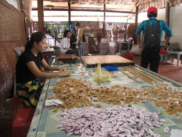 Ngọt lịm kẹo dừa miền Tây - ảnh 3