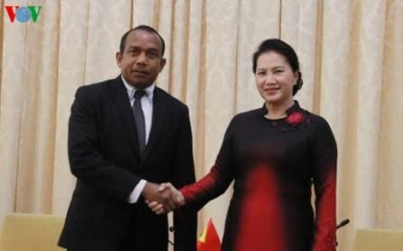 Vietnam refuerza lazos con los parlamentos de Filipinas y Timor-Leste - ảnh 1