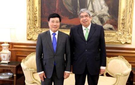 Vice primer ministro y canciller vietnamita inicia visita oficial a Portugal  - ảnh 1