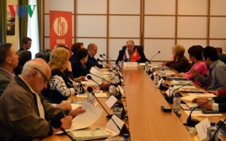 Celebran un seminario sobre las relaciones entre Vietnam y Rusia  - ảnh 1