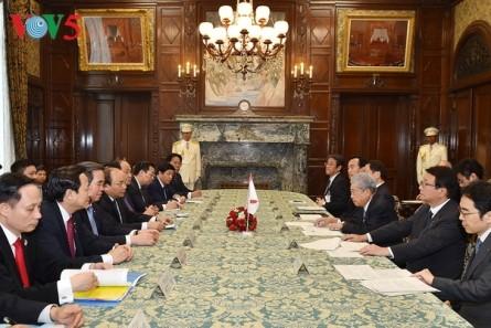 Primer ministro de Vietnam se reúne con presidente del Senado japonés - ảnh 1