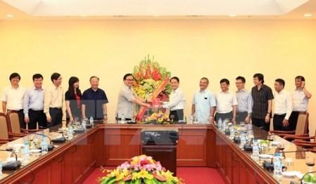Felicitan a VNA por aniversario de la Prensa Revolucionaria de Vietnam - ảnh 1