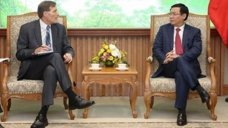 Viceprimer ministro de Vietnam alaba las contribuciones de la USAID al desarrollo socioeconómico - ảnh 1