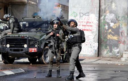 Tropas israelíes se enfrentan con manifestantes palestinos en Cisjordania y Gaza - ảnh 1