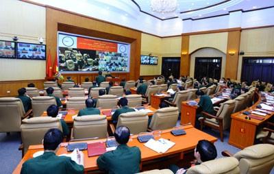Komisi Militer Komite Sentral menggelarkan pekerjaan militer – pertahanan untuk masa 6 bulan akhir tahun. - ảnh 1