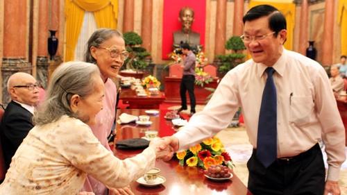 Presiden Vietnam  Truong Tan Sang menerima mantan pejuang komunis Viet Minh  benteng Hoang Dieu - ảnh 1