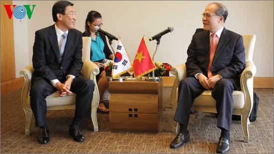 Ketua MN Vietnam, Nguyen Sinh Hung menemui  PM Republik Korea, Chung Hong-won - ảnh 1