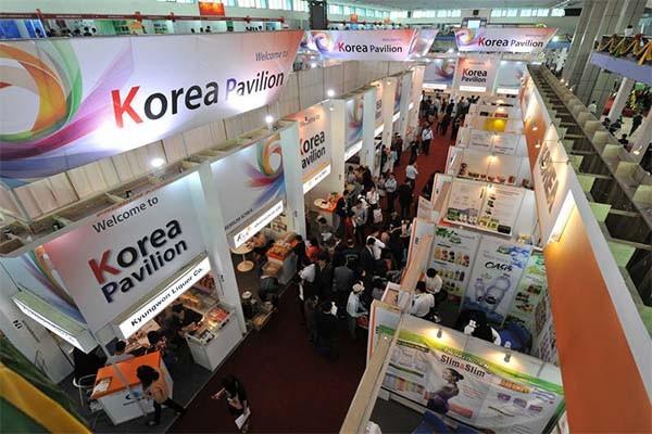 Lebih dari 600 badan usaha menghadiri Vietnam Expo- 2015 - ảnh 1