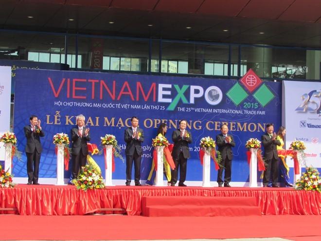Vietnam Expo 2015: Kesempatan untuk hubungan dagang antar badan usaha VN dan asing - ảnh 1